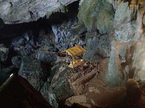 Buddha shrine in the cave