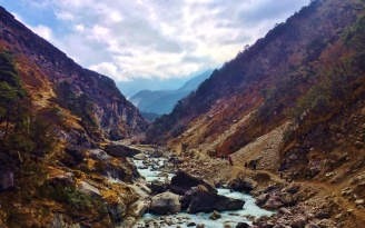 Between Tengboche and Dingboche
